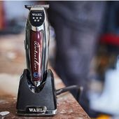 Our favourite #trimmer? No doubt about it --> @wahlprogermany Detailer Cordless Li with lithium battery and 240V power. Reach the zero has never been so sexy. Il nostro trimmer preferito? Nessun dubbio, @wahlpro Detailer Cordless, con batteria al litio, testina mm.38, 240V. Zero Overlap perfettamente raggiungibile. #ormar #torino #hairstyle #beauty #style #fashion #makeup #skin #hair #shopping #barber #menbeauty #barbershop #barberlife #professional #wahl